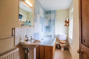 Crockwell 1, en suite bathroom